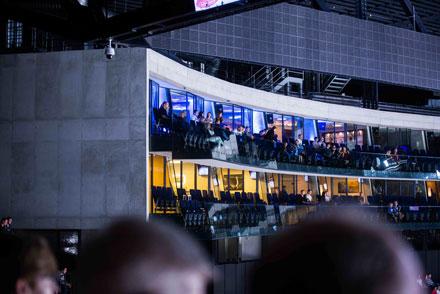 Вновом сезоне Hallenstadion презентует новинку для самых взыскательных зрителей— эксклюзивную гостевую ложу StarLounge.