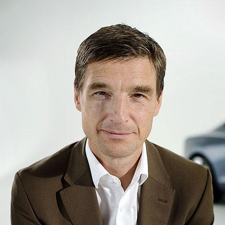 Томас Ингенлат, руководитель отдела дизайна Volvo Car Group, более года работал сосвоей командой над новым поколением автомобилей шведского производителя.