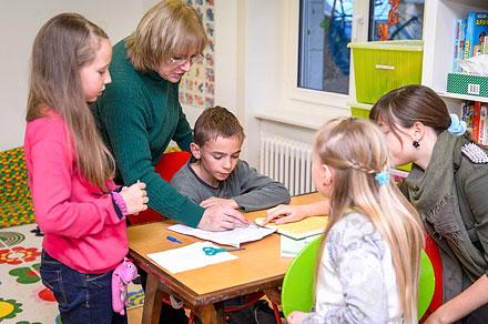 Занятия вшкольных классах проходят нетолько вразных районах Цюриха, ноивКюснахте, Цюмиконе, Винтертуре, Талвиле.