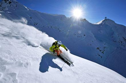 Курорт Ski Arena Andermatt-Sedrun сболее чем 120км горнолыжных трасс— это крупнейшая горнолыжная зона вЦентральной Швейцарии.