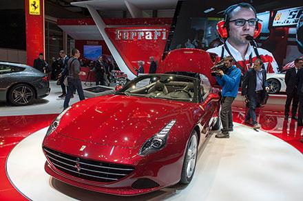 Ferrari показала соответствующую трендам версию купе California Tстурбированным мотором, который при большей мощности потребляет начетверть меньше топлива.