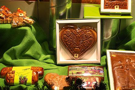 Местное лакомство— пряник сореховой кремовой начинкой (Appenzeller Biber), украшенный рисунком, имини-версия пряников— биберли. Фото:Юлия Бритвич